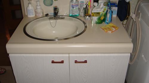 収納たっぷりの洗面室でスッキリキレイに変身