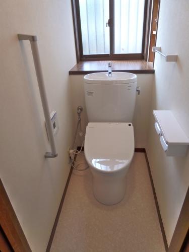 最新機能の節水型便器で快適トイレ生活!